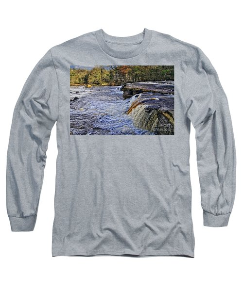 River Swale At Richmond Yorkshire Long Sleeve T-Shirt