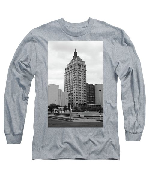 Rochester, Ny - Kodak Building 2005 Bw Long Sleeve T-Shirt