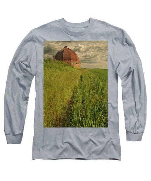 Round Barn Long Sleeve T-Shirt