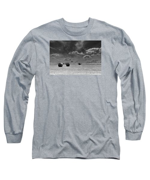 Round Straw Bales Landscape Long Sleeve T-Shirt by John Williams