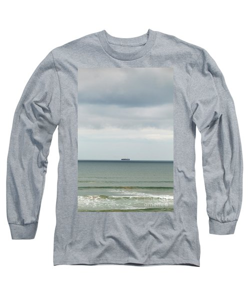 Long Sleeve T-Shirt featuring the photograph Sailing The Horizon by Linda Lees
