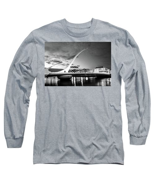 Samuel Beckett Bridge In Bw Long Sleeve T-Shirt