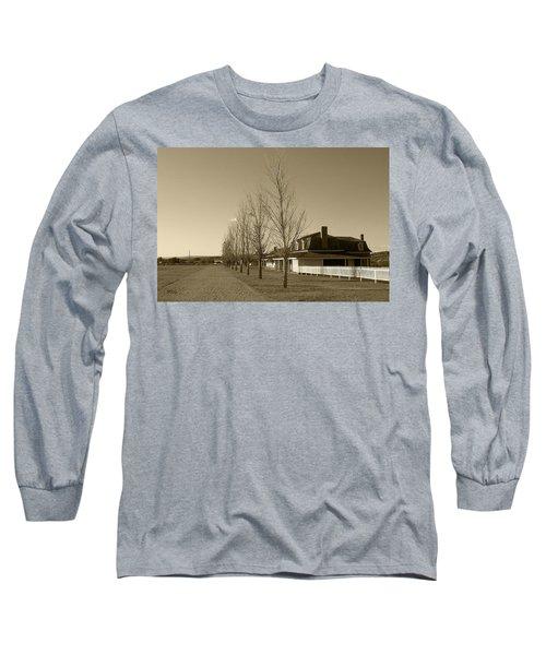 Sedona Series - Alley Long Sleeve T-Shirt by Ben and Raisa Gertsberg