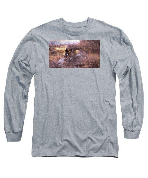 She Rides A Mustang-wrangler In The Rain II Long Sleeve T-Shirt