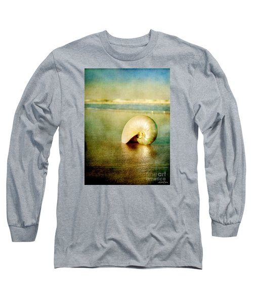 Shell In Sand Long Sleeve T-Shirt by Linda Olsen