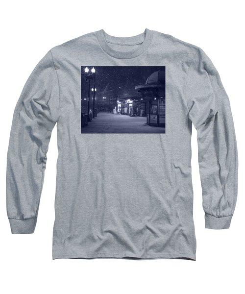 Snowfall In Harvard Square Cambridge Ma Kiosk Monochrome Blue Long Sleeve T-Shirt