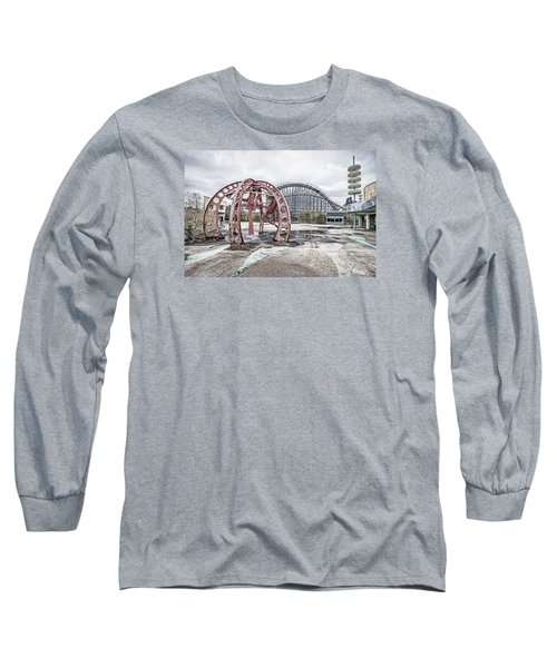 Long Sleeve T-Shirt featuring the photograph Spaced Out by Andy Crawford