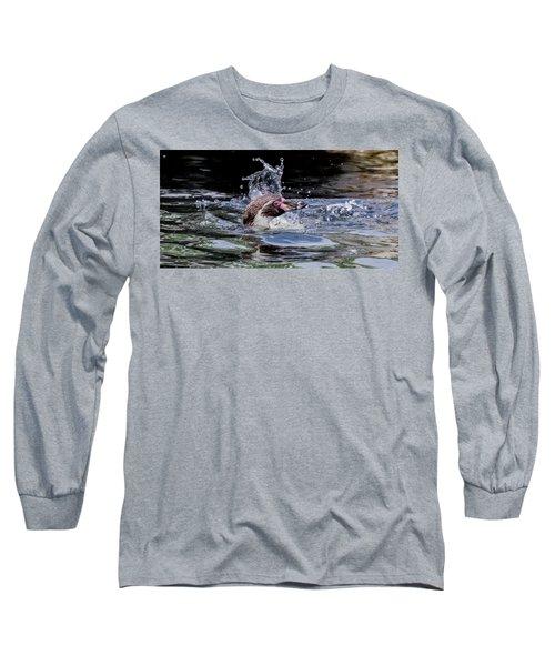 Long Sleeve T-Shirt featuring the photograph Splashing Humboldt Penguin by Scott Lyons