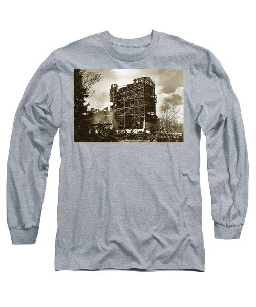 The Dorrance Breaker Wilkes Barre Pa 1983 Long Sleeve T-Shirt