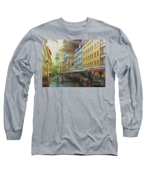 Long Sleeve T-Shirt featuring the photograph The Market In The Rain by Leigh Kemp