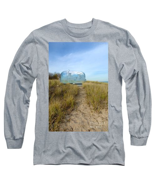 Vintage Camping Trailer Near The Sea Long Sleeve T-Shirt