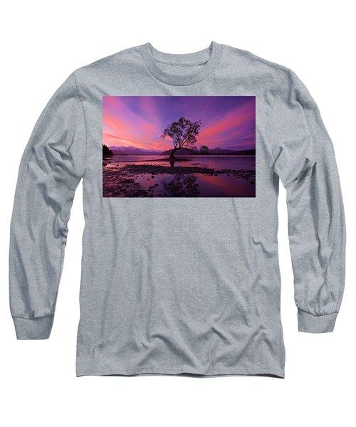 Wanaka Tree Long Sleeve T-Shirt by Evgeny Vasenev