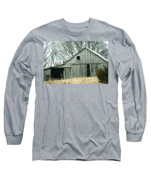 Weathered Barn In Winter Long Sleeve T-Shirt