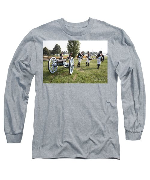 Wheeling The Cannon At Fort Mchenry In Baltimore Maryland Long Sleeve T-Shirt