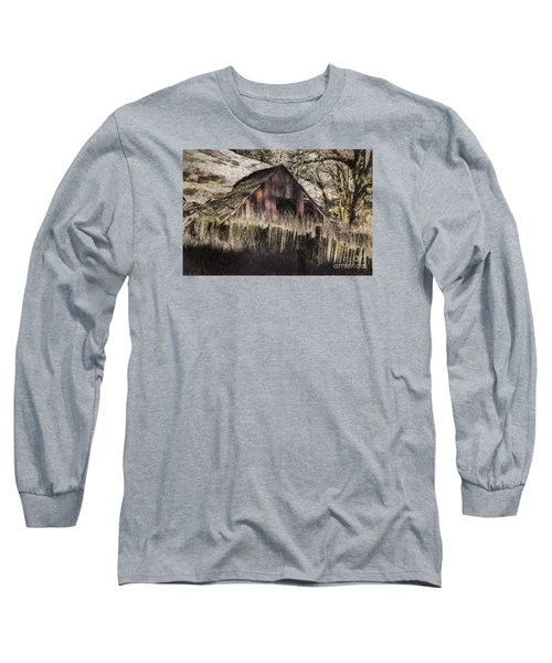 Long Sleeve T-Shirt featuring the photograph Willets Barn by Shirley Mangini