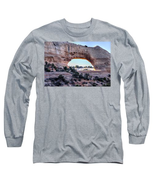 Long Sleeve T-Shirt featuring the photograph Wilson Arch In The Morning by Alan Toepfer