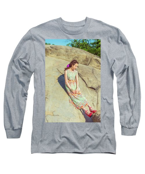 Young American Woman Summer Fashion In New York Long Sleeve T-Shirt
