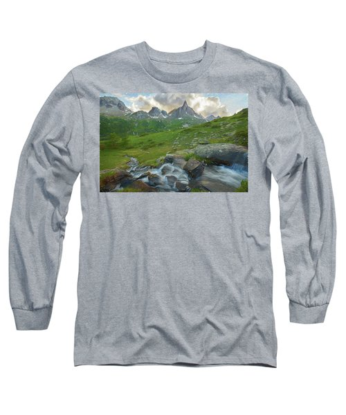 Range In The Claree Valley II Long Sleeve T-Shirt