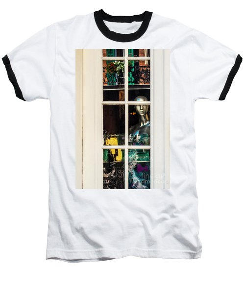 Mannequin Reflecting Baseball T-Shirt