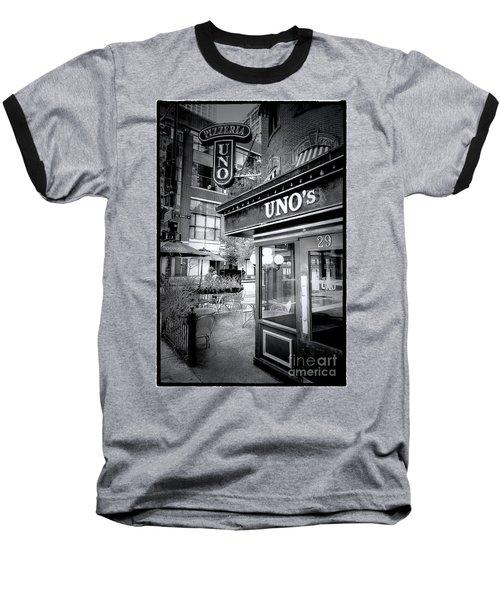 0748 Uno's Pizzaria Baseball T-Shirt