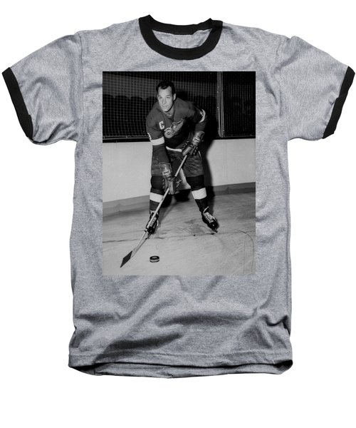 Gordie Howe Poster Baseball T-Shirt