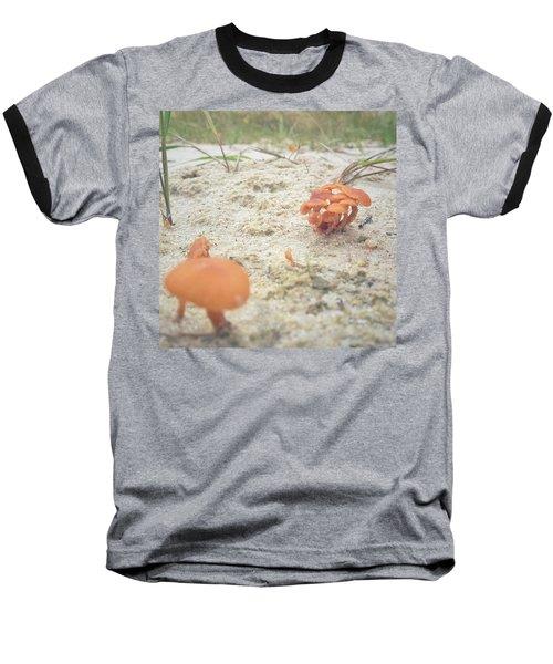 Auf Pilzjagd.  #pilze #sandboden Baseball T-Shirt