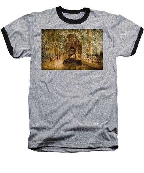 Paris, France - Medici Fountain Oldstyle Baseball T-Shirt