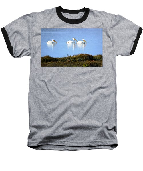 Tres Pelicanos Blancos Baseball T-Shirt