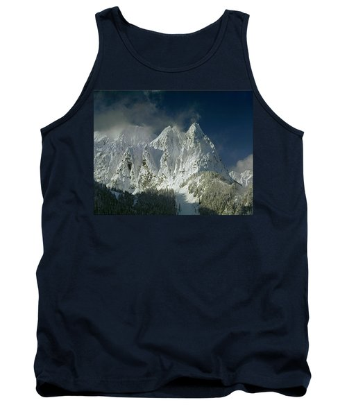 1m4503-three Peaks Of Mt. Index Tank Top