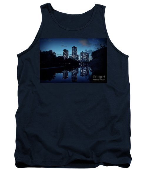 Chicago High-rise Buildings By The Lincoln Park Pond At Night Tank Top