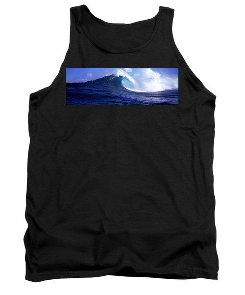 Waves Splashing In The Sea, Maui Tank Top