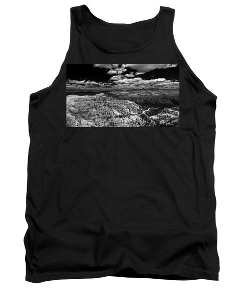 Bryce Canyon Ampitheater - Black And White Tank Top by Larry Carr