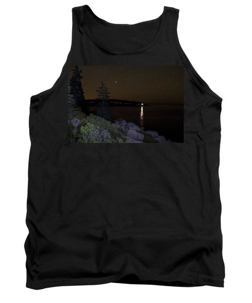 Rounding Otter Point Tank Top