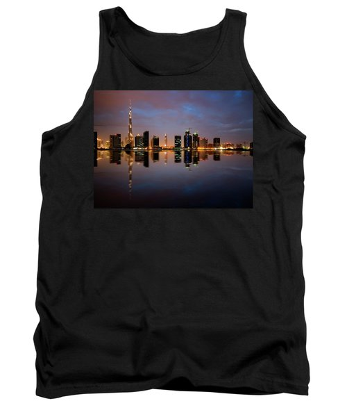 Fascinating Reflection Of Tallest Skyscrapers In Bussiness Bay D Tank Top