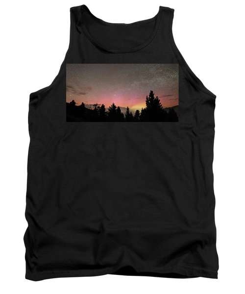 Aurora Borealis Over Mammoth Hot Springs In Yellowstone Np Tank Top