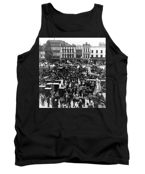Cheapside Public Square In Lexington - Kentucky - April 7  1920 Tank Top by International  Images