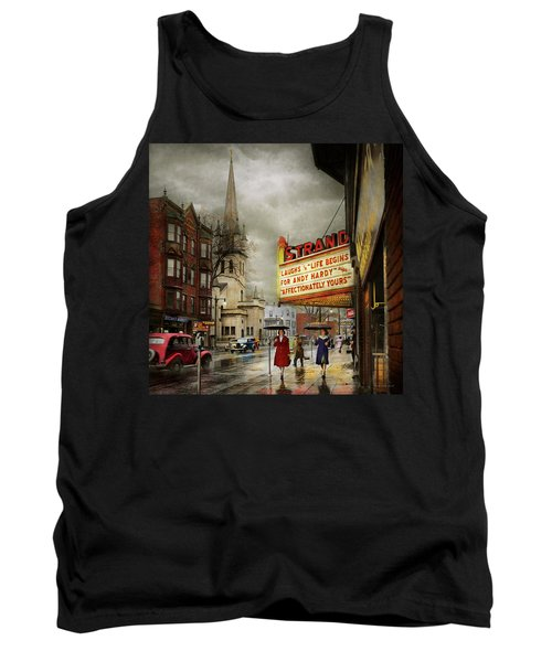 City - Amsterdam Ny - Life Begins 1941 Tank Top
