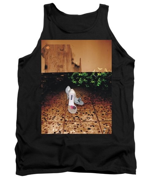 Femenina Tank Top
