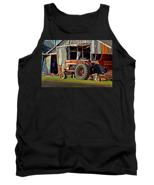 Old Red Tractor And The Barn Tank Top