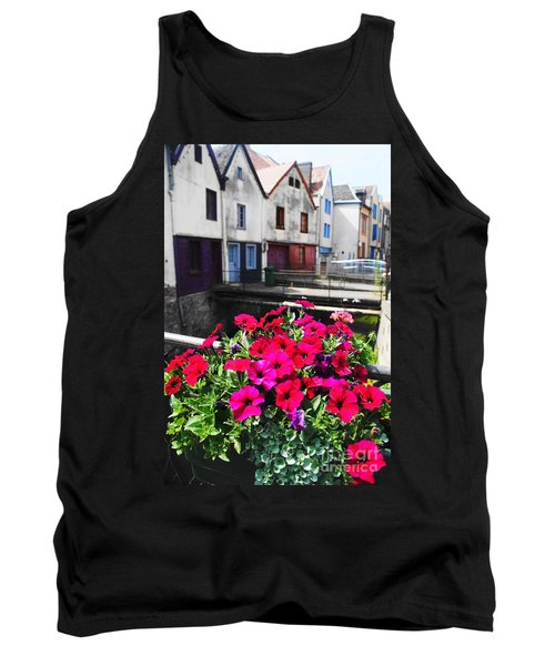 Petunias Of Amiens Tank Top by Therese Alcorn