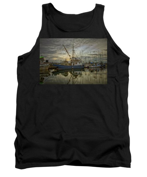 Tank Top featuring the photograph Royal Banker by Randy Hall