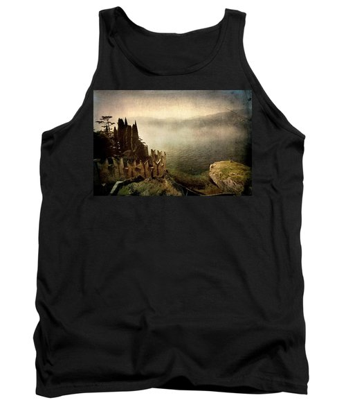 The Castle On The Lake. Malcesine Tank Top