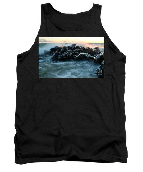 Wave Crashes Rocks 7941 Tank Top