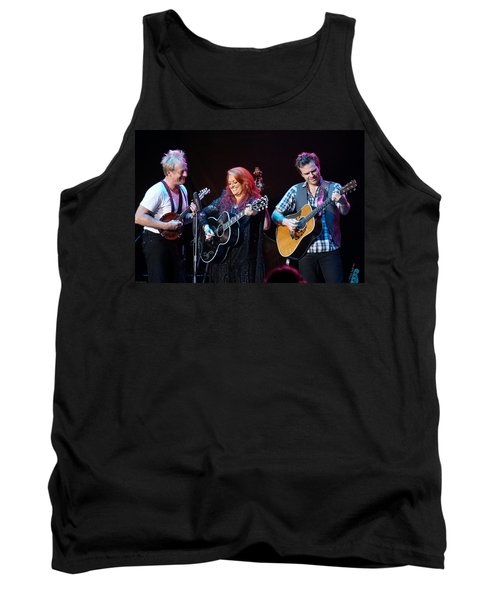 Wynonna Judd In Concert With Hubby Cactus Moser And Band Guitarist Tank Top