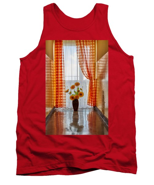 Amber View Tank Top