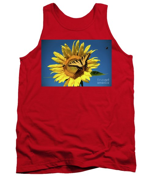 Tank Top featuring the photograph Lunch With Friends by Sandy Molinaro