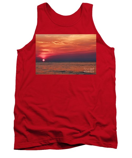 Sunrise Over The Horizon On Myrtle Beach Tank Top