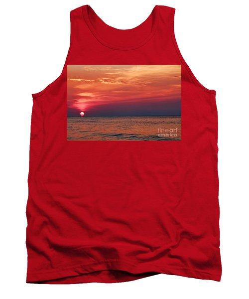 Sunrise Over The Horizon On Myrtle Beach Tank Top
