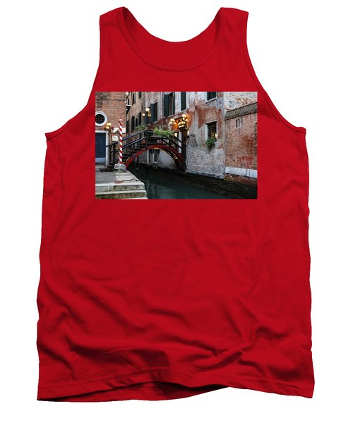 Venice Italy - The Cheerful Christmassy Restaurant Entrance Bridge Tank Top