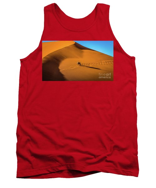 Oryx Crossing Big Daddy Dune, Sossusvlei, Namibia Tank Top